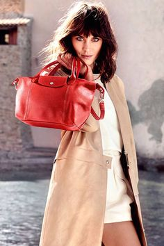 British model-television host Alexa Chung is pictured on a sunny holiday with Longchamp bags in Saint-Tropez for the accessories label's Spring Summer 2014 campaign Saint Tropez, Alexa Chung, Sasha Pivovarova, Kate Moss, New York Fashion, Fashion News, Tokyo Fashion, Runway Fashion, Fashion Women