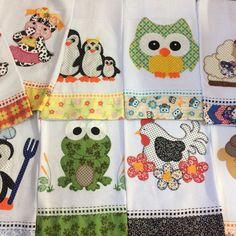 Para quem valoriza arte!!! Lindos panos de prato bordado patchwork, com barrinha em tecido. Bem coloridos e divertidos!!! Sacaria 100% algodão med. 48x68 Estampas variadas