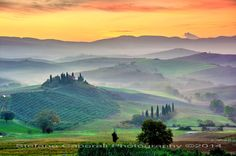 Val d'Orcia sunrise - Before and After