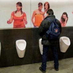 Strane toilette, il bagno pubblico del Palladium a Praga