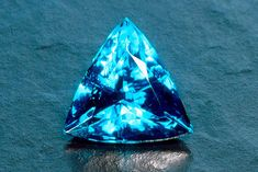 The unusual copper-bearing tourmaline blue-green paraiba tourmaline was first discovered in the Brazililan state of Paraiba in 1989 by a dedicated miner named Heitor Barbosa.