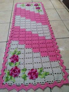 Handmade Placemats Set of Crocheted Placemats Crochet Placemats, Crochet Table Runner, Crochet Doilies, Crochet Flowers, Crochet Home, Love Crochet, Table Runners, Diy And Crafts, Crochet Patterns