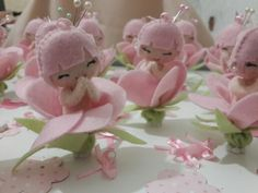 Lembrancinha maternidade, menina flor, sakura, feltro
