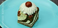Prajitura cu visine si blat din albusuri cu mac si cacao - Adygio Kitchen Cupcakes, Mac, Desserts, Youtube, Sweets, Deserts, Birthday, Tailgate Desserts, Cupcake