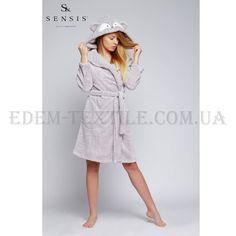 Халат женский микрофибра Sensis Szlafrok SzopОчень стильный, легкий, теплый и пушистый, почти невесомый женский халат из микрофибры. Его можно носить не только как банный, но и просто как домашний халат, так онкрасивый и удобный.Ткань имеет ...