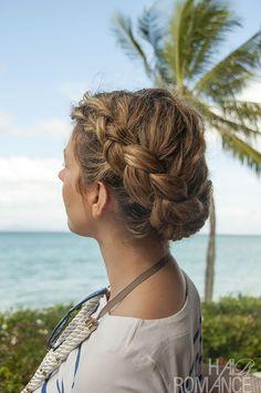 Hairstyle Tutorial – Dutch side braid and bun in curly hair