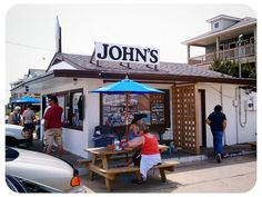 John's is a local's favorite for milkshakes, burgers and fried seafood baskets. Located on the beach road in Kitty Hawk. Vacation Places, Vacation Spots, Places To Travel, North Carolina Beaches, South Carolina, Kitty Hawk, Beach Meals, Best Bbq, Cruise Travel