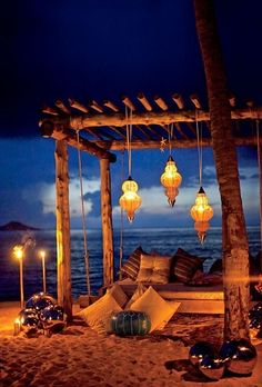 Romantic beach relaxing bed...could be duplicated in backyard, just would be grass under our feet instead of sand :)