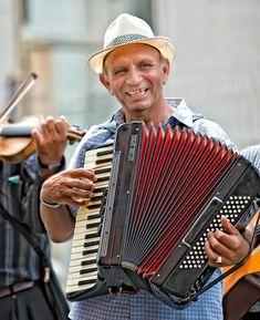 Картинки по запросу accordéon playing