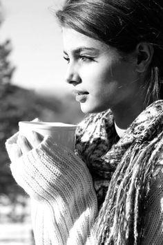 Reflecting.. While having coffee...   Aline ♥