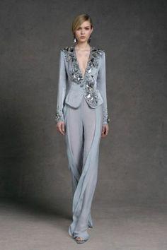 Completo grigio con cristalli di Donna Karan - Completo da cerimonia con pantalone grigio perla di Donna Karan