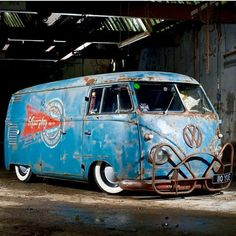 Bad bus Thoughts on that front bumper? #ratrodmaniacs #ratrod #ratrods #ratty #rusted #patina #dropped #slammed #builtnotbought #hammered #bagged #chopped #vw #bus >>>> #STANDOUT >>>> #BEDIFFERENT >>>> #BEAMANIAC! @wolfsburgbus
