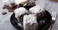 Házi kókuszkocka recept képpel. Hozzávalók és az elkészítés részletes leírása. A Házi kókuszkocka elkészítési ideje: 60 perc Muffin, Pudding, Meals, Baking, Retro, Breakfast, Sweet, Food, Diet