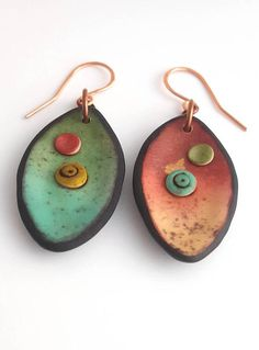 Polymer clay earrings. - Unique organic shape. - Lightweight and easy to wear. - Total length : 5.5 cm. - Copper earwires. ................................................ Visit my shop to see more of my work. Polymer clay is a magical medium and has endless possibilities! My