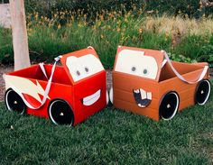 Gather your trusty pit crew and make these Cars-inspired box car costumes.