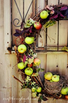 An Autumn wreath inspired by nature