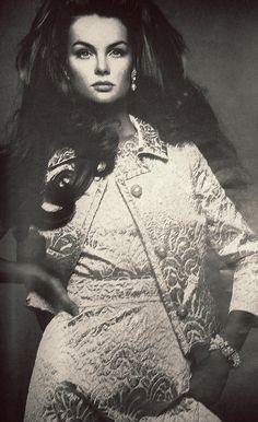Jean Shrimpton by Richard Avedon