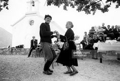 Greece Pictures, Old Pictures, Old Photos, Samos, Corfu, Greek Culture, Crete Greece, Lets Dance, Yesterday And Today