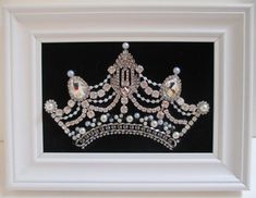 Vintage Jewelry Crafts, Jewelry Art, Flower Jewelry, Beaded Jewelry, Silver Rhinestone, Vintage Rhinestone, Elephant Home Decor, Bottle Tattoo, Nutcracker Christmas