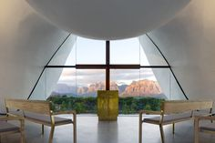 "Steyn Studio, working in collaboration with South African firm designed this striking architectural project for the Bosjes Canopy Chapel in South Africa. ""The chapel… Glass Structure, Roof Structure, Religious Architecture, Architecture Design, Church Architecture, Sacred Architecture, Architecture Religieuse, Glazed Walls, Chapelle"