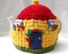 English Country Thatched Cottage design Crochet Tea Cosy