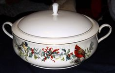 Lenox Winter Greetings Fine Ivory China Covered Casserole Dish With Handles