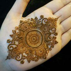 Round Mehndi Design, Full Hand Mehndi Designs, Mehndi Designs Book, Mehndi Design Pictures, Modern Mehndi Designs, Mehndi Designs For Girls, Mehndi Designs For Fingers, Dulhan Mehndi Designs, Latest Mehndi Designs