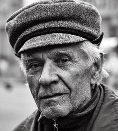 Age, elderly, old guy, cap, wrinckles, lines of life, powerful face, intense eyes, strong, portrait, b/w