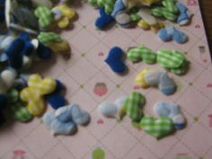 Cute colored small padded hearts by Monanique on Etsy, €0.40