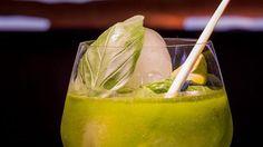 Der It-Drink 2016 ist der 'Tian-Sprizz'. Er besteht aus Rhabarbersaft, Holundersirup und Basilikumsorbet. Aufgefüllt wird er mit Soda und Prosecco.