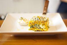 Quibe de quinoa e abóbora tem recheio de espinafre e ricota. Uma delícia! (Foto: Divulgação)