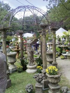 The Brimfield Antiques Fair. What a great place to visit!!!