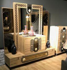 Modern Furniture Stores, Modern Bedroom Furniture, Home Decor Bedroom, Bedroom Bed, Bedroom Set Designs, Closet Designs, Bed Back Design, Bed Design, Modern Dressing Table Designs