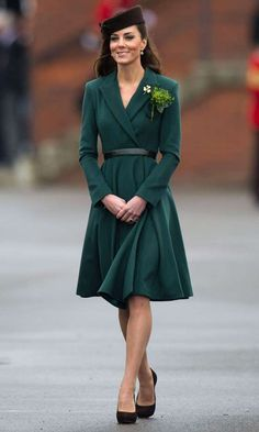Kate Middleton Style & Fashion: The Duchess of Cambridge's Dresses Kate Middleton Outfits, Looks Kate Middleton, Princess Kate Middleton, Princesa Kate, Coast Dress, Estilo Real, Evolution Of Fashion, Royal Dresses, Mode Vintage
