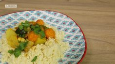 No cruces el Estrecho para preparar cuscús marroquí  tenemos la receta para que lo hagas con ingredientes cercanos y lo claves como si hubieras nacido en Marrakech.