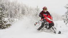 2015-Yamaha-SRVIPER-X-TX-EU-Racing-Red-Action-005