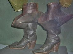 17th Century Clothing, Fashion History, Hui, 18th Century, Art Reference, Heeled Boots, Sculpting, Character Design, Boards