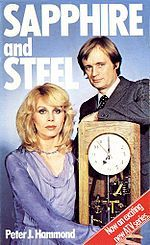 'Sapphire and Steel' ran from 1979 to 1982 on ITV; it starred Joanna Lumley 'Sapphire', and David McCallum as 'Steel' Joanna Lumley, 1970s Childhood, My Childhood Memories, Childhood Images, Mejores Series Tv, David Mccallum, Vintage Television, Kids Tv, 80s Kids
