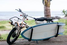 スーパーカブをサーフボード運搬仕様に。コイツで海岸沿いを流したいぜ – DIGIMONO!(デジモノ!)