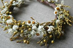 Natural flower crown by paulajeansgarden on Etsy.