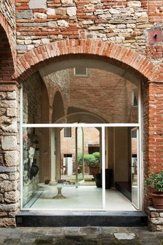Bruno Sacchi Medieval Tower Florence | Real Homes | Interior Design (houseandgarden.co.uk)