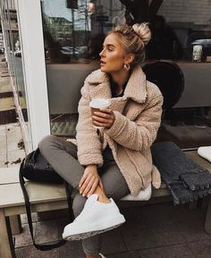 cute casual winter fashion outfits for teen girl 33 ~ my.me cute casual winter fashion outfit. Fashion Mode, Look Fashion, Winter Fashion, Womens Fashion, Street Fashion, Trendy Fashion, Fashion Vintage, Fashion Trends, Skinny Fashion