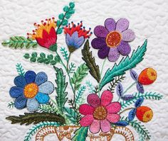 Cecile style hand embroidery by Lucia Martins.