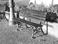 Splendide immagini fotografiche , in bianco e nero , curate dal nostro fotografo , che immortalano attimi di vita, per arredare con un tocco di fascino , qualsiasi location ... Già inserite nella propria cornice e pronte per essere esposte . Per acquisto contattare 392.9266568 - www.barandshopdesign.it - www.barandshopdesign.com