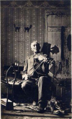 Man with Violin, ca 1900
