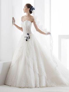 Brautkleider im gehobenen Preissegment | miss solution Bildergalerie - JOAB14060IVBL by NICOLE SPOSE