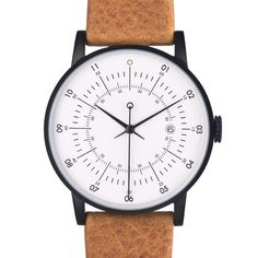 Available with a tan Italian leather strap and a black stainless case, the Plano by Squaretsreet.