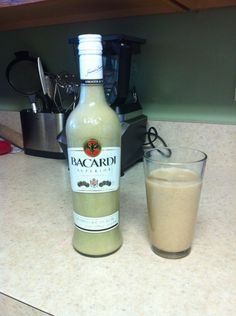 How to Make Coquito (Puerto Rican Eggnog) With No Eggs