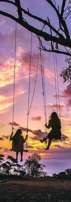 """una amiga es  alguien que te ayuda,te contiene,es buena y sobre todo te demuestre amor.este pin,foto,recuerdo como lo quieras llamar se lo dedico a una amiga que es como una hermana mas para mi con esta frase""""que el destino nos lleve a donde quiera pero si nos lleva que sea siempre juntas""""        gracias luli por estar siempre conmigo y sobre todo ser mi mejor amiga y mi hermana de corazon lourdes te quiero y siempre lo voy a sentir como vos a mi."""