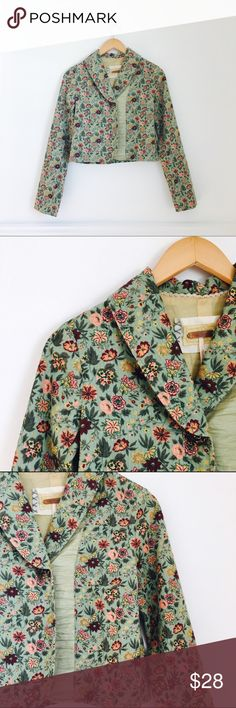 Free People jacket Floral super lightweight corduroy jacket. Cotton. Size 4. In excellent used condition. Free People Jackets & Coats
